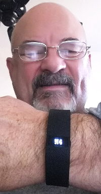 Dad gets a Fitbit for Christmas and takes a selfie
