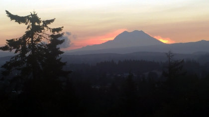 Rainier sunrise -- just before the sun peaks out